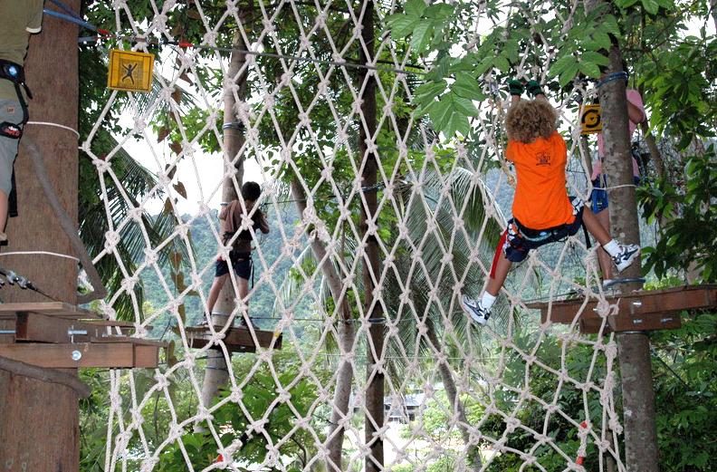 treetopadventurepark-climbing